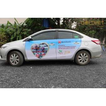 Quảng cáo trên xe ô tô Grab